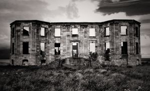 downhill house black and white by someonesinthewolf