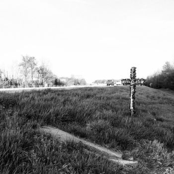 Roadside Memorials: Gene Snyder Freeway, 1 by aymiah