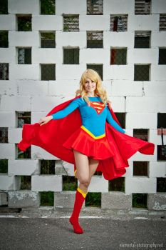 Supergirl by dangerousladies