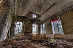 Lost Place Chateau 4 hdr by FotoRuina