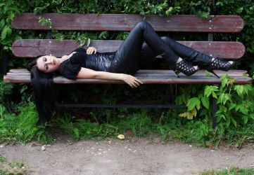 Anett Frozen on bench by anettfrozen