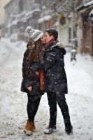 Kissing in the snow by nicubunu