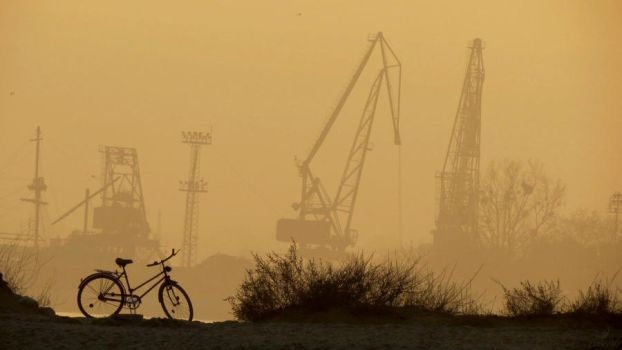 Lone bicycle watching .. by zmei4o