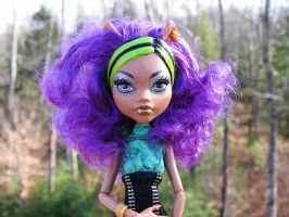 Clawdeen sunlight purple by sataikasia