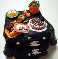 Halloween table little ghosts by miniacquoline