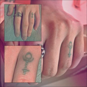 finger tattoo by fifciaa