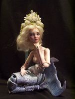 White Mermaid Queen porcelain bjd doll by fernandoartesano