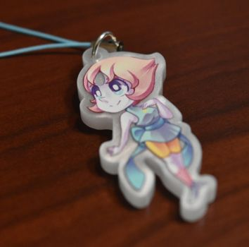 Steven Universe: Pearlescent Pearl Acrylic Charm by Left2Fail