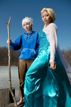 Jackfrost x Elsa Cosplay (Video) by blondewolf2