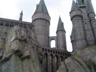Hogwarts Castle in the Sky by fluffygrimace
