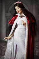 Snow White Queen by la-esmeralda