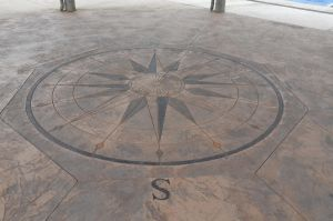 Rose compass engraved on the ground by A1Z2E3R