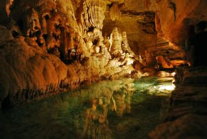 Natural Bridge Caverns III by simple-squamous