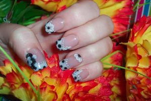 spring without colour - nails by neko-crafts