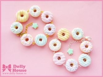 Pastel Donuts Bracelet by Dolly House by SweetDollyHouse