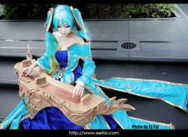 League of Legends Sona Cosplay 01 by eefai