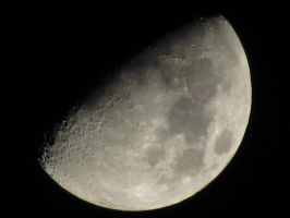 It's the Gibbous Moon by assassin4