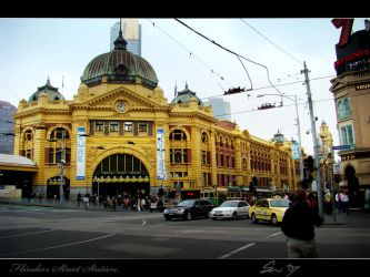 Flinders Street Station by sampsonx