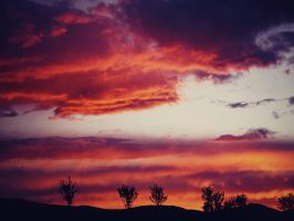 Fire on the sky by AlyssaKid15