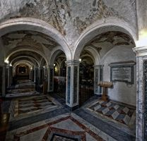 The crypt of St Cyriacus by rhipster