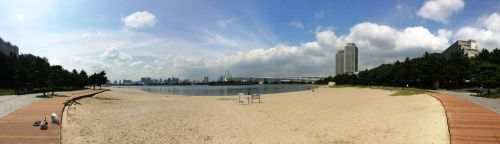 Tokyos only beach by yagamiimagay