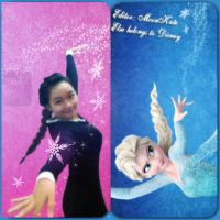 Imitating Elsa's pose from FroZen by moonkute93