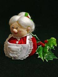 Mrs. Claus by RosaRubea