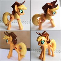 Handmade: Applejack sculpture by vitav