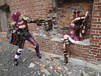 League of legends cosplay Vi and Caitlyn by ChrixDesign