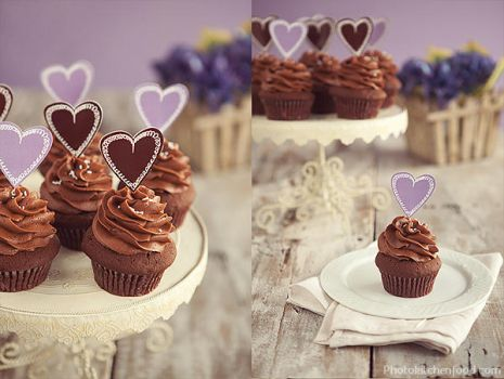 Chocolate Cupcakes with Purple Hearts by peachjuice