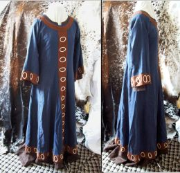 Norman blue embroidered dress by Tournevent