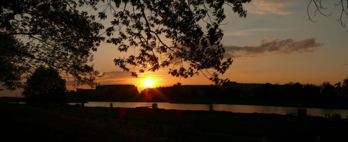Sunset panorama by the Odra river by wesoly-romek
