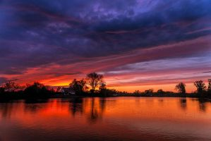 Fire in the Sky.............VV by Betuwefotograaf