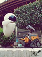 Wall-E with Eve by MotherBlessing