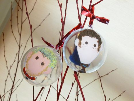 Doctor and Master Xmas Baubles by Elyssiel