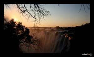 Sunset at Victoria Falls by benpop