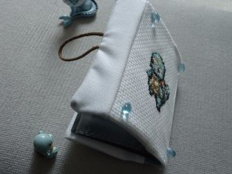 Cross stitch Squirtle card holder by Miloceane