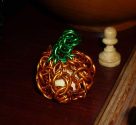 Chainmail pumpkin by squanpie