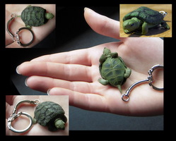 Turtle Key-chain by nEVEr-mor