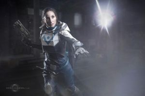 Destiny 2 cosplay by Nebulaluben