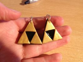 Triforce Necklaces by terronsitodasucar