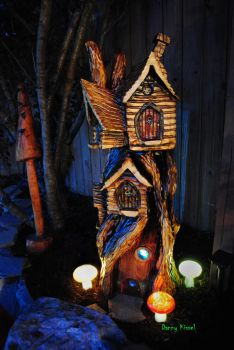 Chainsaw carved Fairy House by kissel71