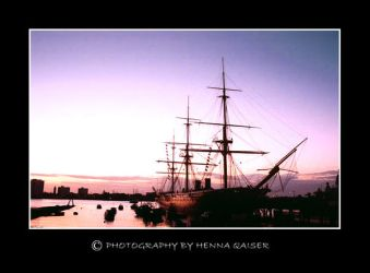 portsmouth harbour by Hennaq