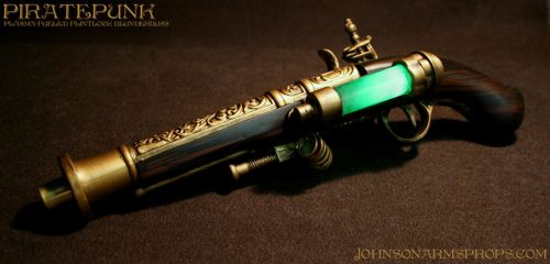 Plasma-Fueled Flintlock Blunderbuss Pistol by JohnsonArmsProps
