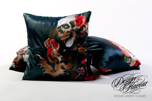 Skull'n'Roses pillow by DZNFlavour