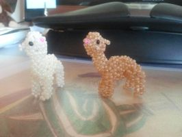 Alpaca (Beads) by Zoey-01