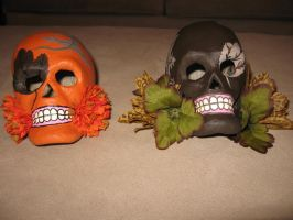 Fall skulls 9 (SOLD) and 11 by angelacapel