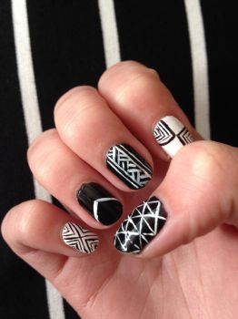 Black and White Nail Art (1) by xRixt