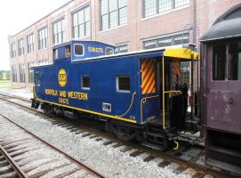 N+W Caboose 518675 at Spencer by rlkitterman