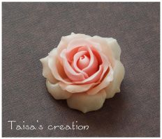 Sweet Rose Brooch by Taisa-Winged